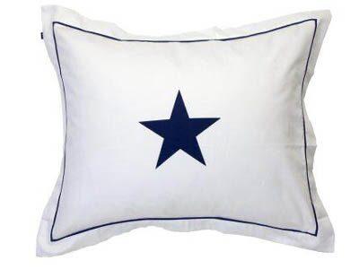 Kudde med den klassiska New England-stjärnan, 549 kr, Gant home