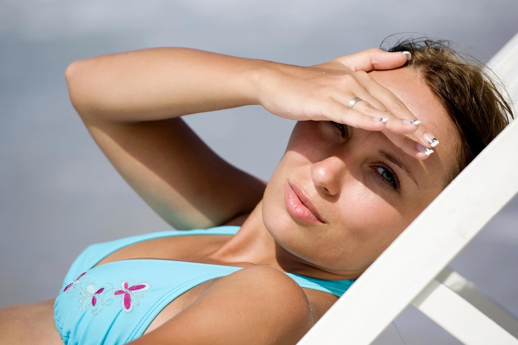 Vill man skydda befintliga pigmenteringar är prio ett att ha ett solskydd med hög SPF-faktor och inte utsätta huden för solexponering. Vill du skydda pigmenteringen lite extra och lokalt kan du använda ett sun-stick med spf 50 som också är liten och smidig att ha med sig.