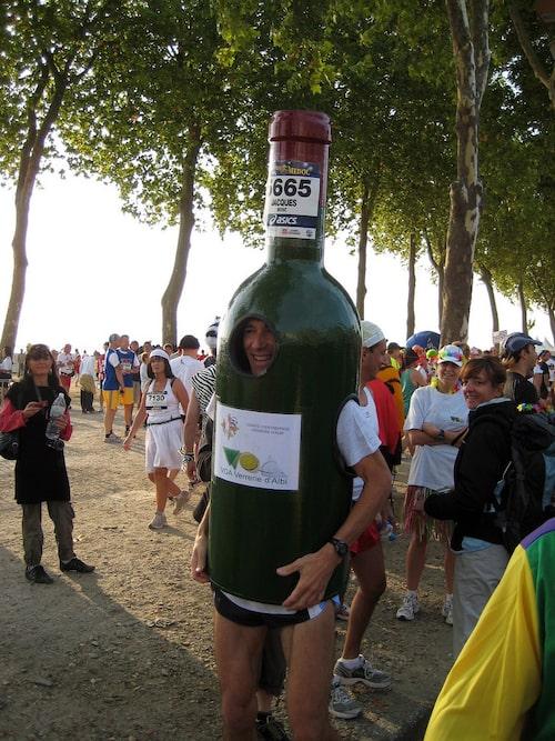 En löpande vinflaska. Foto: Creative Commons/Flickr