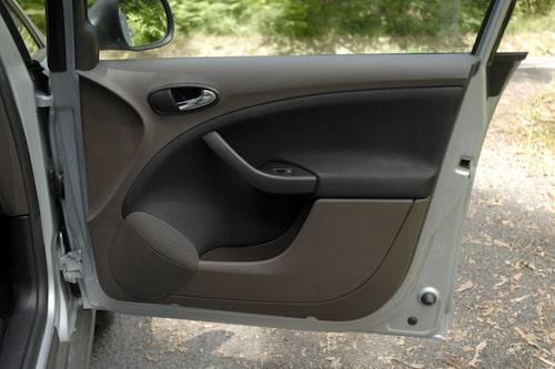 Jordfärgad säger Seat, brun säger vi.