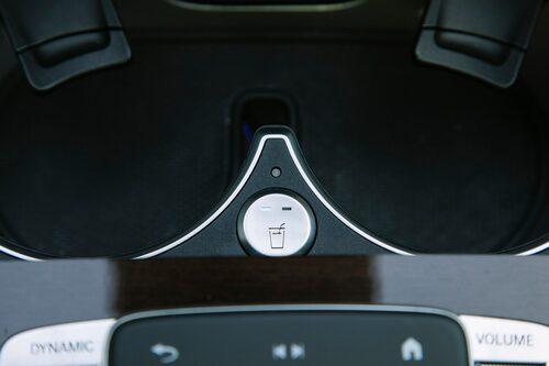 Mercedes GLS är fylld med små fina detaljer och finesser. Inget är bara en enkel mugghållare.