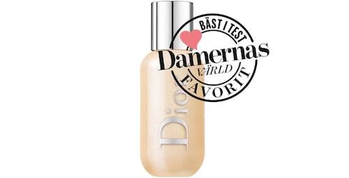 Recension på flytande highlightern Face & body glow från Dior.