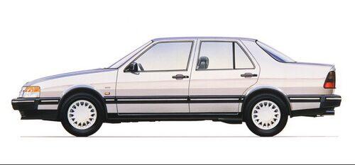 Saab 9000 blev sedanmodell i och med CD-modellen som presenterades 1988.