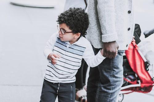 """""""Känner jag värme och kärlek när jag tänker på mitt barn?"""" Svaret på den frågan kan ge en fingervisning om hur relationen mellan barn och förälder är just nu."""