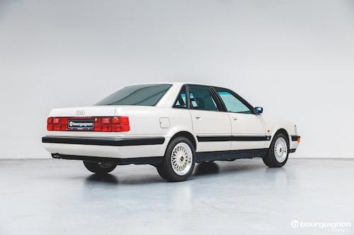 Audi V8 är föregångare till dagens A8 (vars första generation kom 1994).