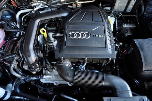 """Tusenkubikaren känns igen från VW Up men med turbo kommer farten och lite mer """"premiumkänsla""""."""
