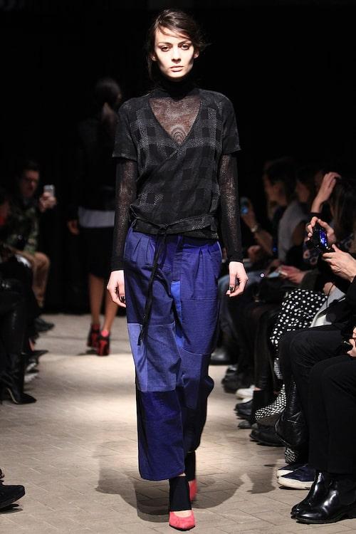 Patchworkjeans ur höstkollektionen 2014, här på catwalken under New Yorks modevecka.