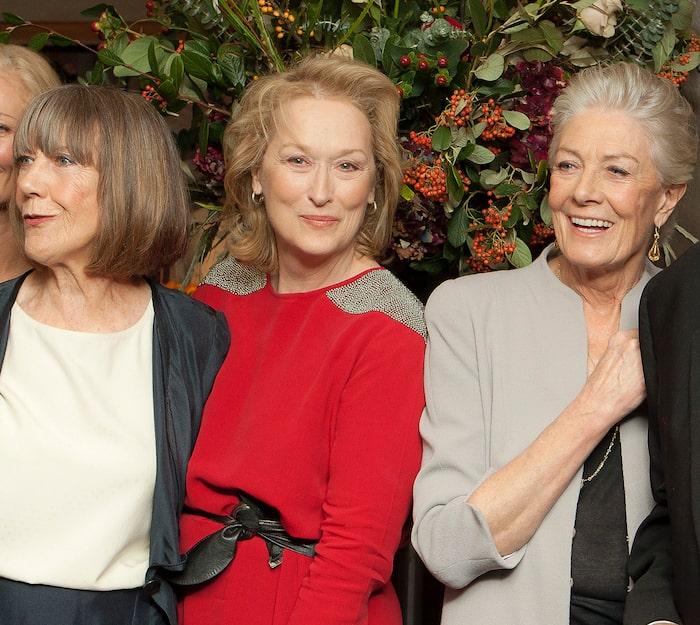 Skådespelaren Meryl Streep i Rodebjer, tillsammans med kollegorna Eileen Atkins och Vanessa Redgrave.