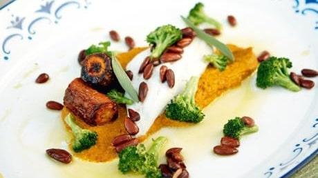 Mandelspätta med morotspuré och rostad mandel