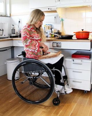 Dejta en person i rullstol