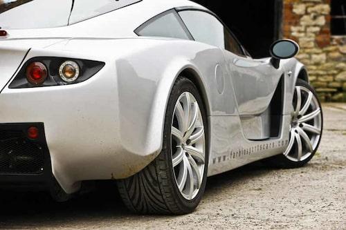 Liten och nätt med en mullig V6-motor placerad mitt i bilen – Farbio GTS attraherar.