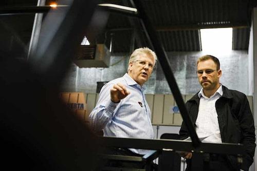 Chris Marsh guidar vår utsände genom fabrikslokalerna.