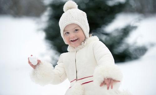 På 3-årsdagen blev det snöbollsbus på Haga slott.