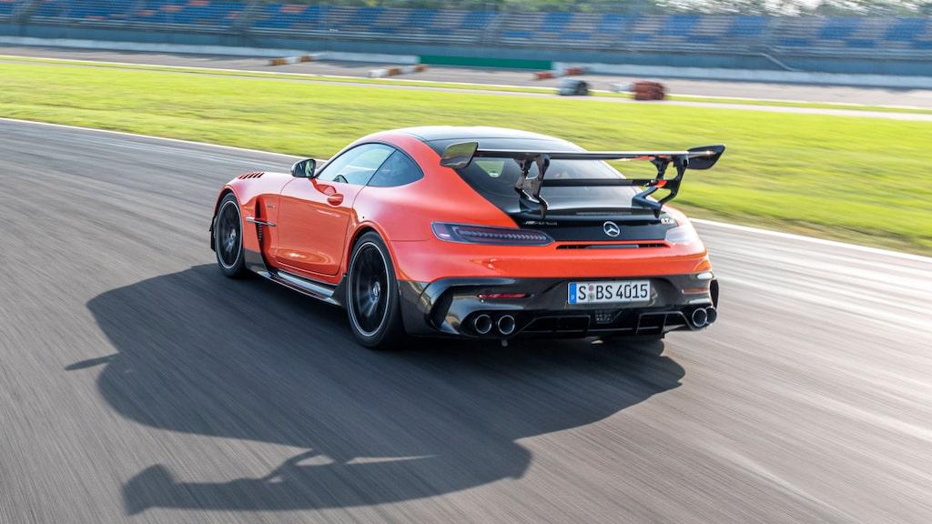 """Världens snabbaste produktionsbil! Rekordtiden runt Nürburgrings klassiska """"Nordslinga"""" är 6 minuter, 43 sekunder och 616 tusendelar."""