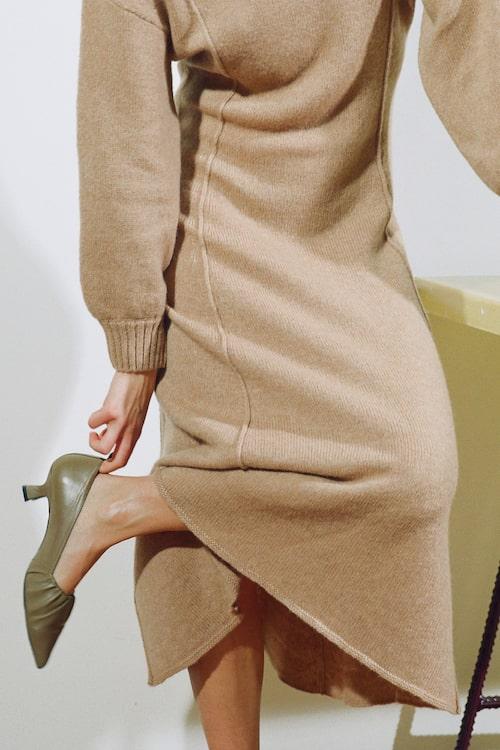 Stickad klänning från Rodebjers höstkollektion