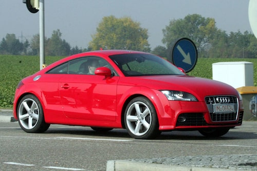 Audi TT-S Coupé. Här ser man ledljusen utan maskering.