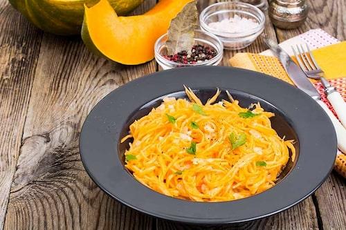 Testa spagettipumpa istället för vanlig pasta! Följ i övrigt pastarecepten för såser och tillbehör.