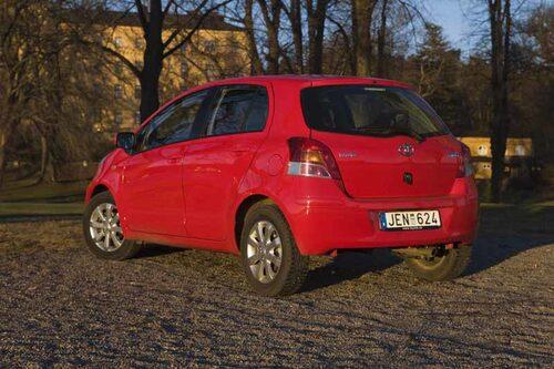 Under provkörningsperioden hade vi en bensinförbrukning på 0,6 liter per mil. Toyota kan det här med stop & go.