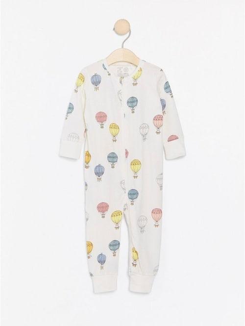 Pyjamas med dragkedja från Lindex.