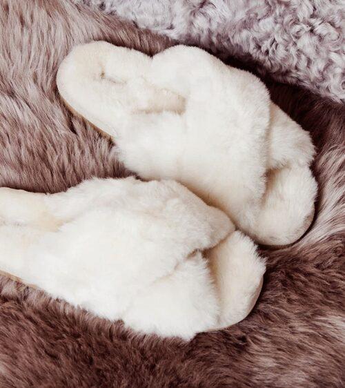Gosiga tofflor från Shepherd är sköna att ha på förlossningen.