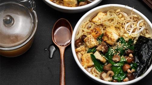 Crispy tofu ramen - japanska nudlar med en krispig tofu