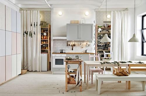Ikeas kök Knoxhult kan lätt anpassas för mindre bostäder.