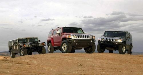 Tre generationer Hummer. Från vänster: H1, H3, H2