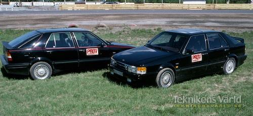 1988 års modell den bortre, 1989 års modell närmast kameran.