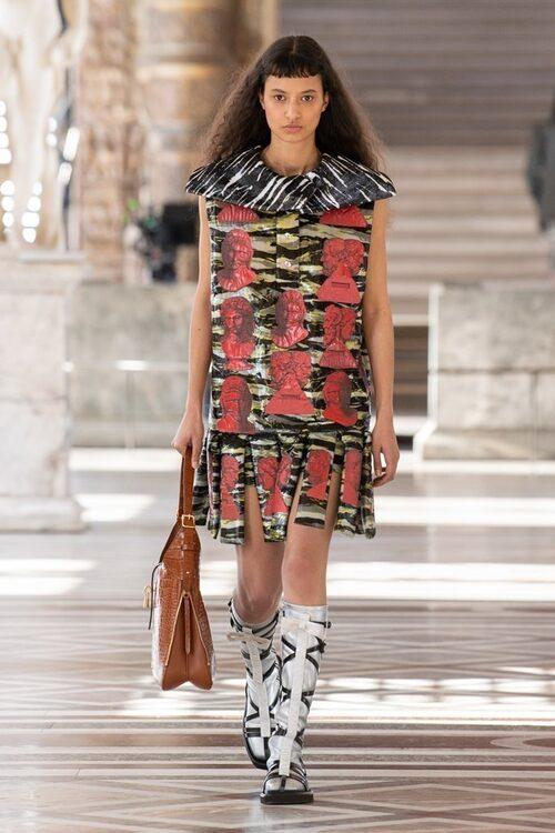 Höstskor 2021: silvriga skor hos Louis Vuitton.