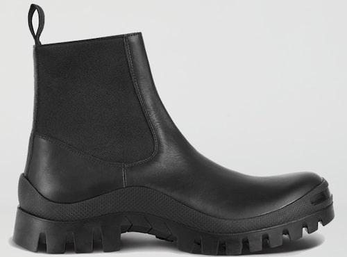 Tidlösa chelseaboots från Atp Atelier i kromfritt läder med grov sula. Klicka på bilden och kom direkt till skorna.
