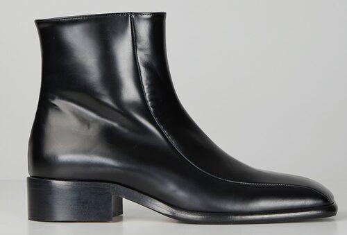 Tidlösa klassiker från Marni med spetsig tå. Klicka på bilden och kom direkt till skorna.