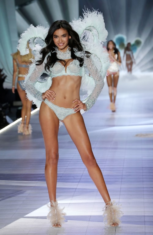 Svenska Kelly Gale på Victoria's Secret show år 2018.