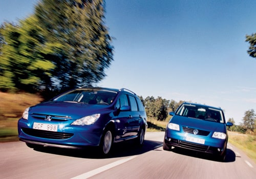 Peugeot 307 SW HDI och VW Touran 2,0 TDI