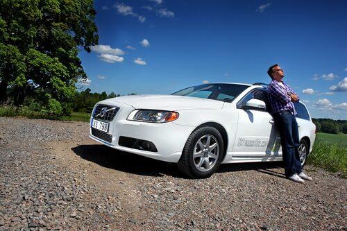 Man tar det lätt lugnt med V70 1,6D DRIVe. 240 Nm i vridmoment och effekt på 109 hk, dragvikten är sänkt till 1300 kg. Det är lätt att nå ner till 0,5 l/mil.