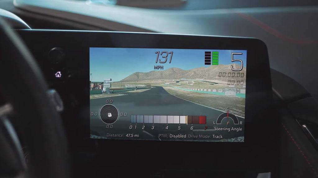Med Performance Data Recorder kan du via infotainmentsystemet filma din bankörning.