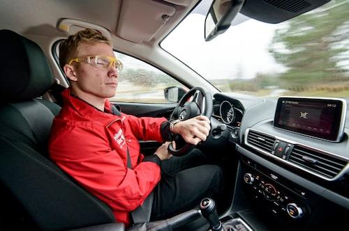 600 000 svenska bilister har idag så pass nedsatt syn att de inte klarar synkraven.