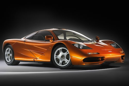McLaren F1 (1992-1998). Supersportbilarnas supersportbil på 1990-talet. Världens snabbaste serieproducerade bil med 391,23 km/h. 0-100 km/h på 3,4 sekunder.