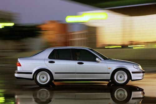 Saab 9-5 (1997-2010). Oerhört viktig bil för Saab, den som efterträdde 9000. Blev också första kombin på 20 år.