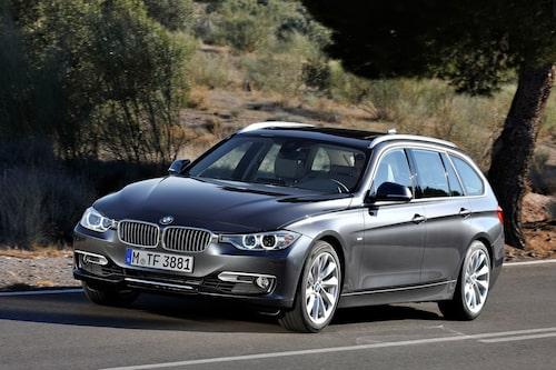"<strong><span style=""color: #fff000;"">572 kronor per liter lastutrymme.</span><br />BMW 3-serie Touring</strong><br />Pris från 282 900 kronor.<br />Bagageutrymme: 495 liter.<br />Euro NCAP krocktestbetyg: 5 av 5."