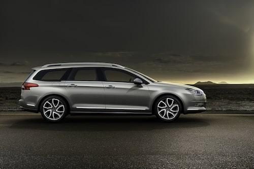 "<strong><span style=""color: #fff000;"">435 kronor per liter lastutrymme.</span><br />Citroën C5 Tourer</strong><br />Pris från 219 900 kronor.<br />Bagageutrymme: 505 liter.<br />Euro NCAP krocktestbetyg: 5 av 5."