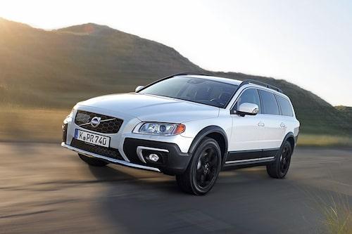 "<strong><span style=""color: #fff000;"">597 kronor per liter lastutrymme.</span><br />Volvo XC70</strong><br />Pris från 343 000 kronor.<br />Bagageutrymme: 575 liter.<br />Euro NCAP krocktestbetyg: 5 av 5."