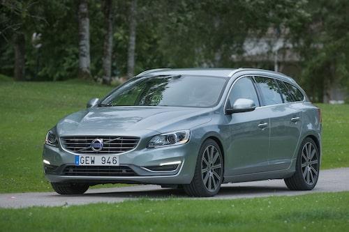 "<strong><span style=""color: #fff000;"">579 kronor per liter lastutrymme.</span><br />Volvo V60</strong><br />Pris från 249 000 kronor.<br />Bagageutrymme: 430 liter.<br />Euro NCAP krocktestbetyg: 5 av 5."