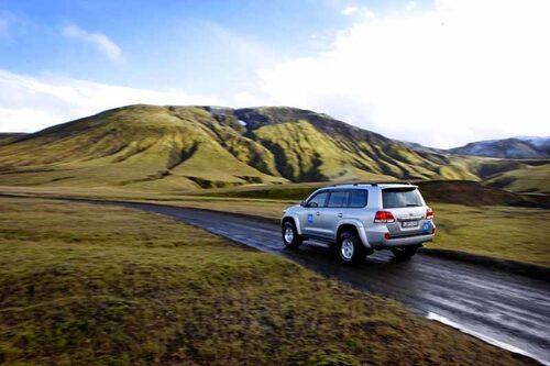 Islands inre landskap innebär en härlig körupplevelse. Men körning vid sidan av de uppmärkta lederna är förbjuden!