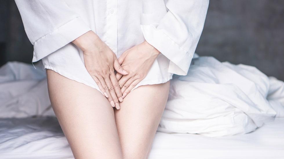 Vanligaste symptomen på svamp i underlivet är klåda och speciell flytning.