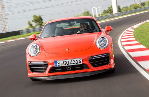 Tyvärr Porsche 911, men det är inte du som går hem mest hos köparna, det är dina suv-bröder Cayenne och framför allt Macan.