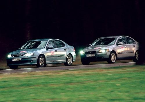 Saab 9-3 2,0T Aero och Volvo S40 T5