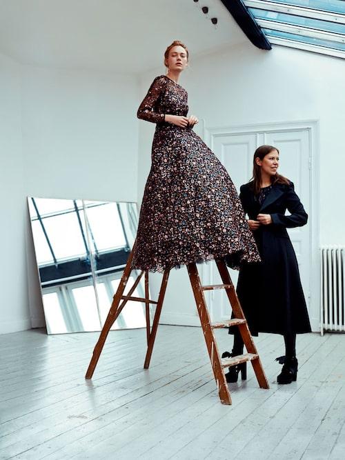 Ida Sjöstedt. Klänning, Miriam dress, av polyester/paljetter/tyll, sys upp på beställning, 30 000 kr, från Ida Sjöstedt.