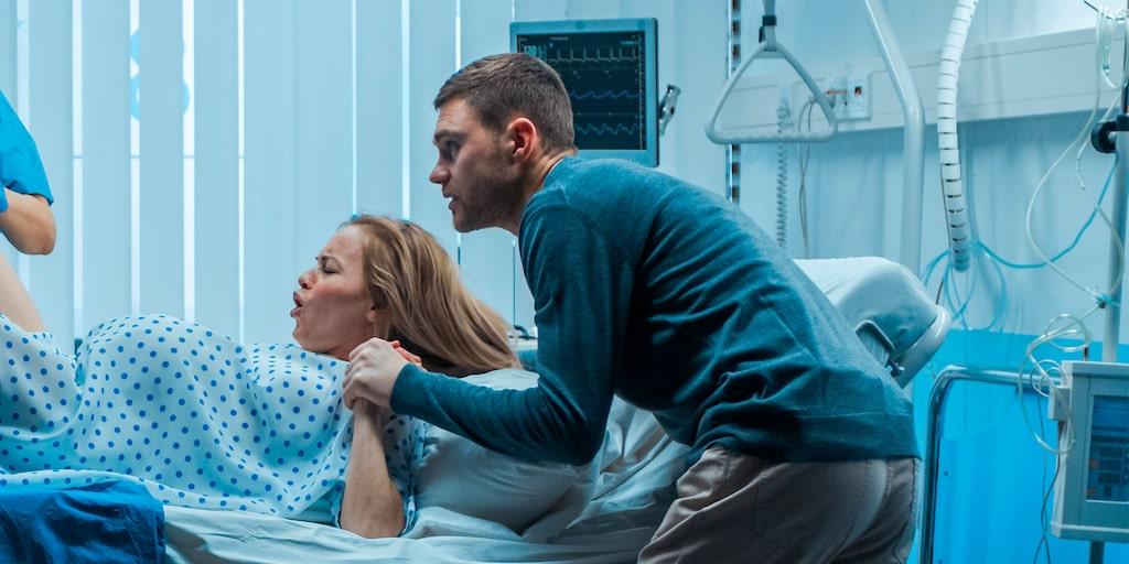 Få saker gör så ont som att föda barn – ändå behöver inte förlossningssmärtan upplevas som negativ.