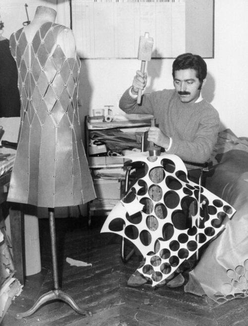 """""""Han är ingen modeskapare, han är en metallarbetare"""". Coco Chanel om Paco Rabanne."""