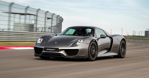 Formerna hos en av världens mest omtalade supersportbilar kommer från Michael Mauers penna.
